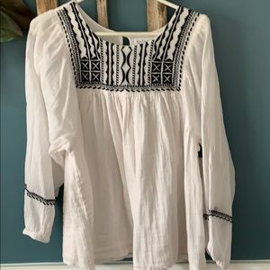 Velvet by Graham and Spencer peasant top xl